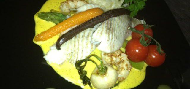 Turbot vapeur, Langoustine rôtie, asperges vertes et sa crème de safran à la vanille de Tahiti